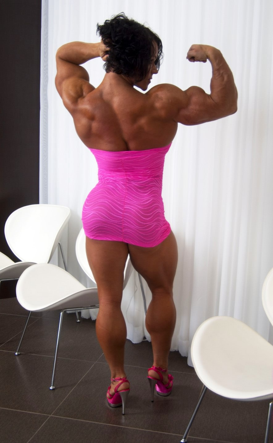 Massive Female Bodybuilder Fleing Her Truly Huge Muscles From