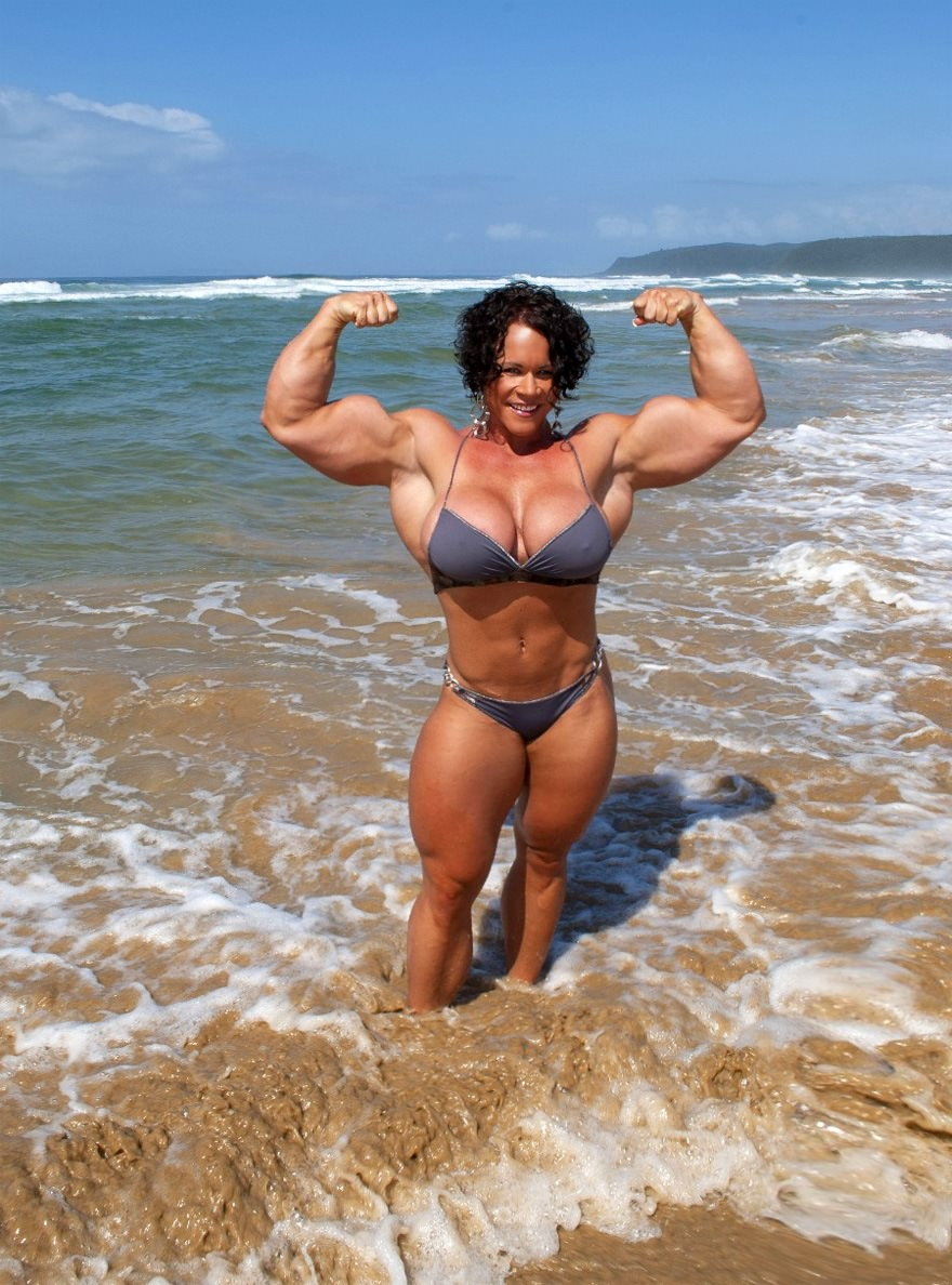 Busty milf female bodybuilder and bald guy have group sex 7