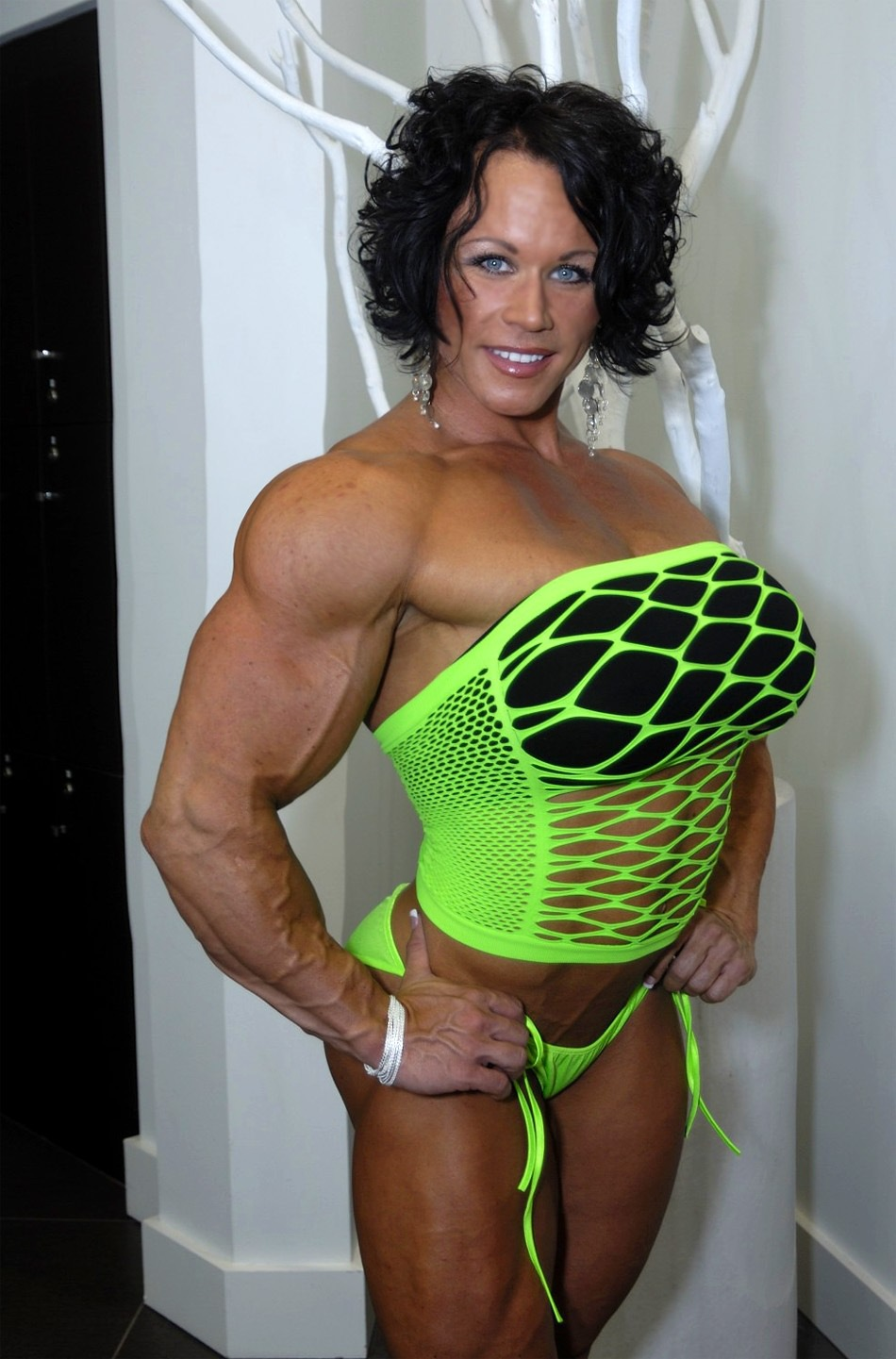 women Bodybuilder muscle girl clit