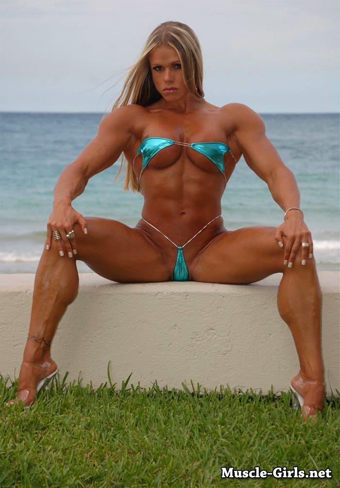 bikini muscular