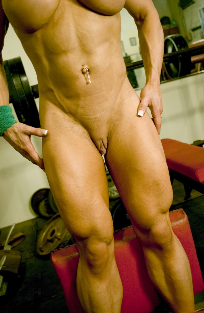 Blonde Female Bodybuilder With Amazing Hot Muscle Body From