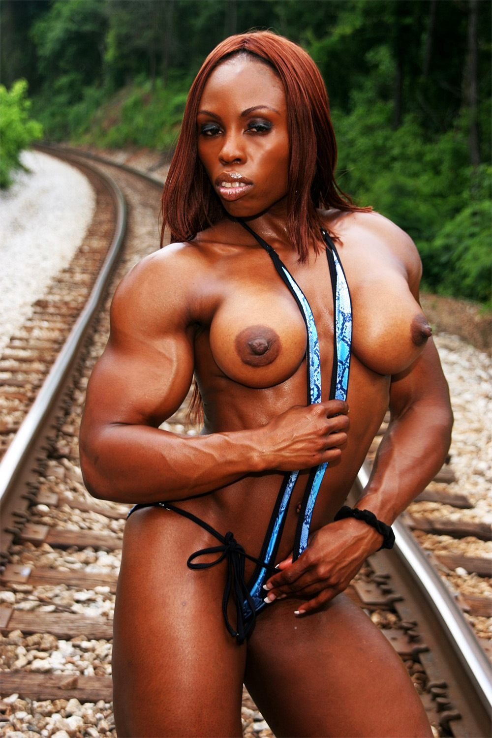 girls with muscle naked