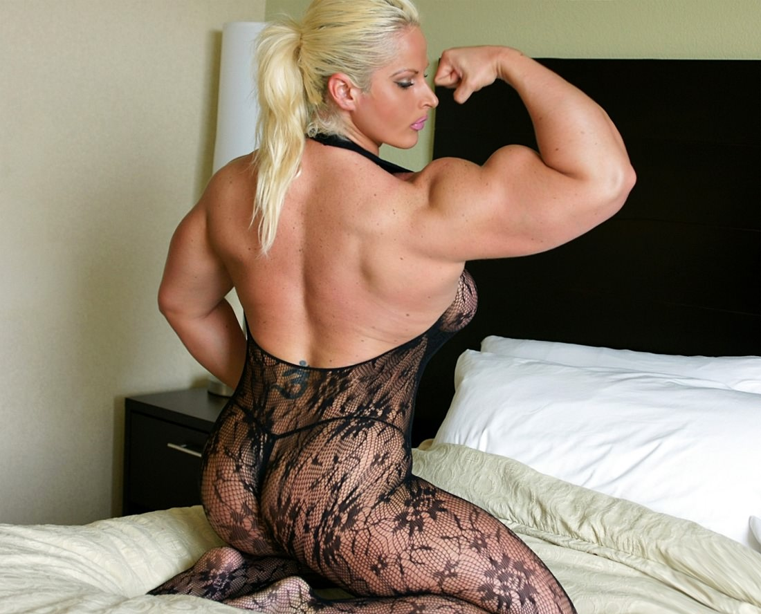 Naked muscle girl in bed are