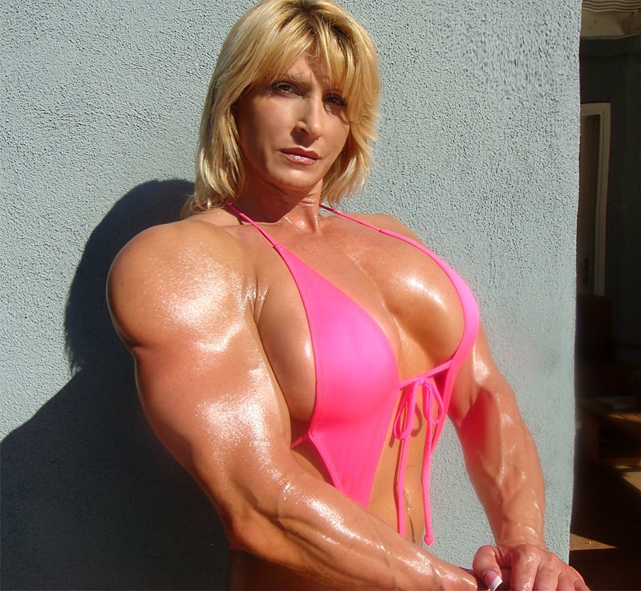 Giant Blonde Amazon Huge Large Muscles  Muscle Girls-5023