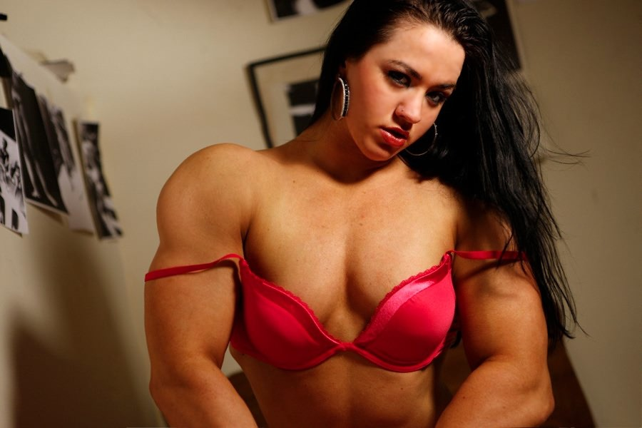 Gorgeous Young Muscle Girl Shows Her Sexy Muscles In Red -2658