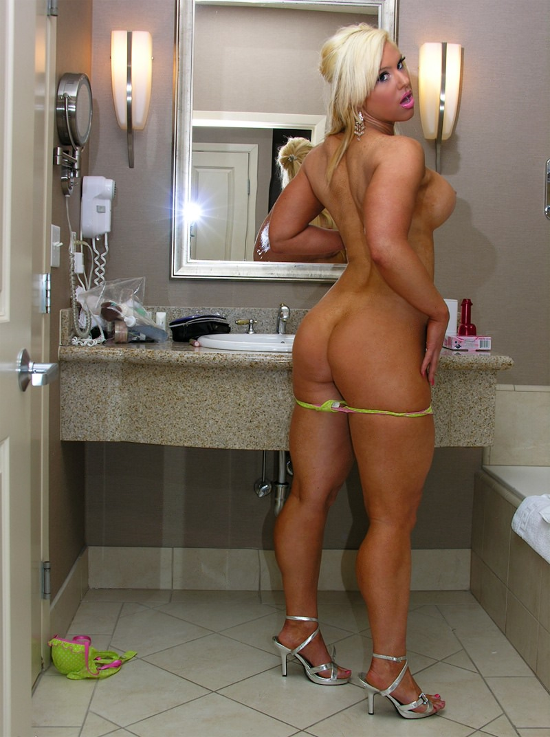 Consider, Nude muscle girl blonde recommend you