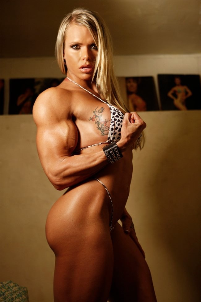 Hot chicks with muscle