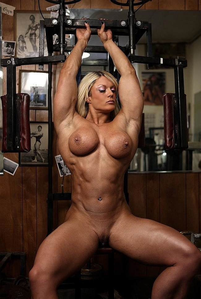 Sexy female bodybuilding mude can not