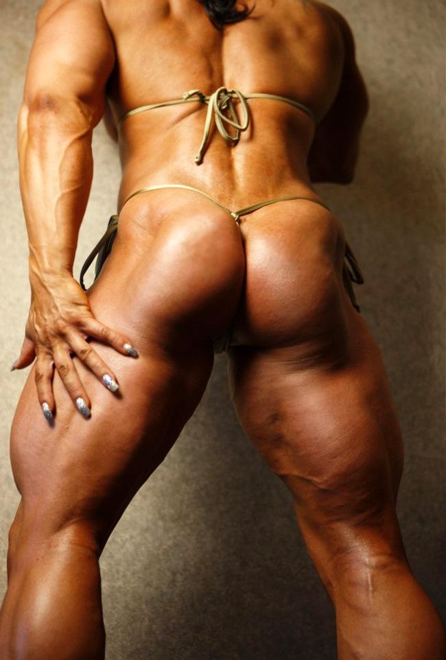 muscled women in bikinies