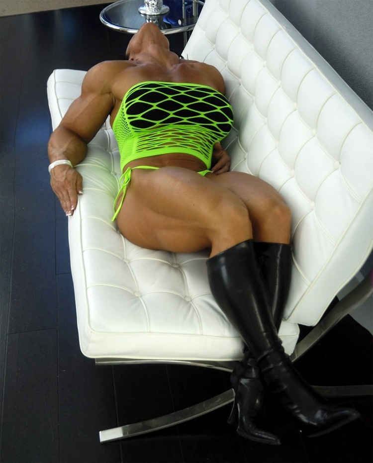 Massive Female Bodybuilder With Huge Boobs