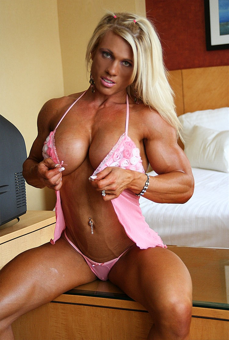 Very Sexy Muscular Blonde With Big Breasts And Ripped -7030