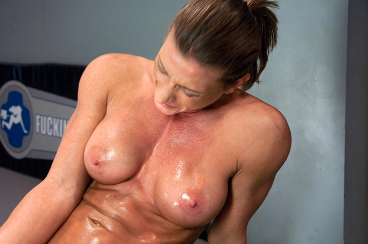 muscle chick fucked