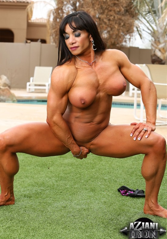 female-muscle-exposed-porn-pad
