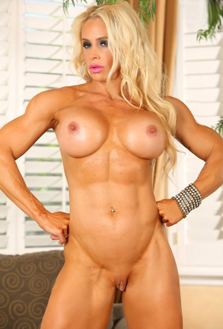 Muscled chick flexes her sexxxy biceps 6